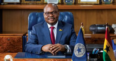 The Bank of Ghana posted a profit of 1.8 billion cedis for 2019. This is about twice the operating loss of 793 million cedis it recorded in 2018. This has largely been attributed to the strong performance the central bank posted for the year under review. For 2019, the Bank of Ghana's income from fees, penalties charged to commercial banks, interests among others, reached 5.85 billion cedis compared to the 3.12 billion cedis recorded in 2018. Though the central bank's expenditure items such as personnel costs, rent, repairs and renewals increased from 3.92 to 4 billion cedis between 2018 and 2019, it posted more income for 2019 which contributed to the profit. Meanwhile, the banking sector regulator's total assets, which are those items it can lay claim to; increased by 16% within the one year period; from 59 to about 69 billion cedis. Of this, securities such as long-term government bonds, topped with a share of 46.2 billion cedis; followed by cash and balances with correspondent banks at 7.4 billion cedis, while balances with the IMF recorded the third highest of 5.34 billion cedis. Also, total liabilities which are those items that the central bank cannot lay claim to; also increased by 13.4% to record 67 billion cedis from the 59 billion cedis recorded in 2018. Deposits with the central bank comprising those facilities belonging to the government of Ghana and other financial institutions, contributed the highest of 19.4 billion cedis. It is followed by currency in circulation and liabilities to the IMF with a share of 16.3 and 10 billion cedis. Despite the strong performance posted by the Bank of Ghana in 2019, the Board did not approve the payments of dividends for the year.